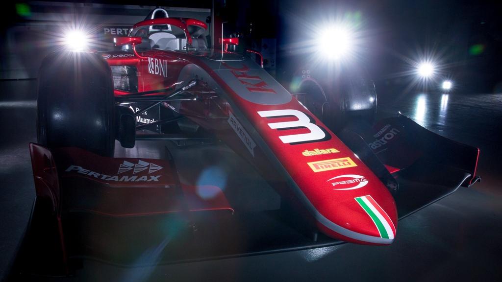 Mobil baru tim Prema Theodore Racing yang akan digunakan Sean Gelael dan Nyck de Vries di F2 musim 2018 (Foto: AutofocusBG)