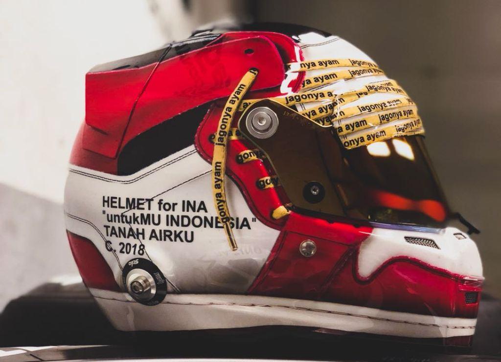 Helm Baru Sean menunjukkan kecintaan Sean terhadap Indonesia (Foto: Dok. Sean Gelael)