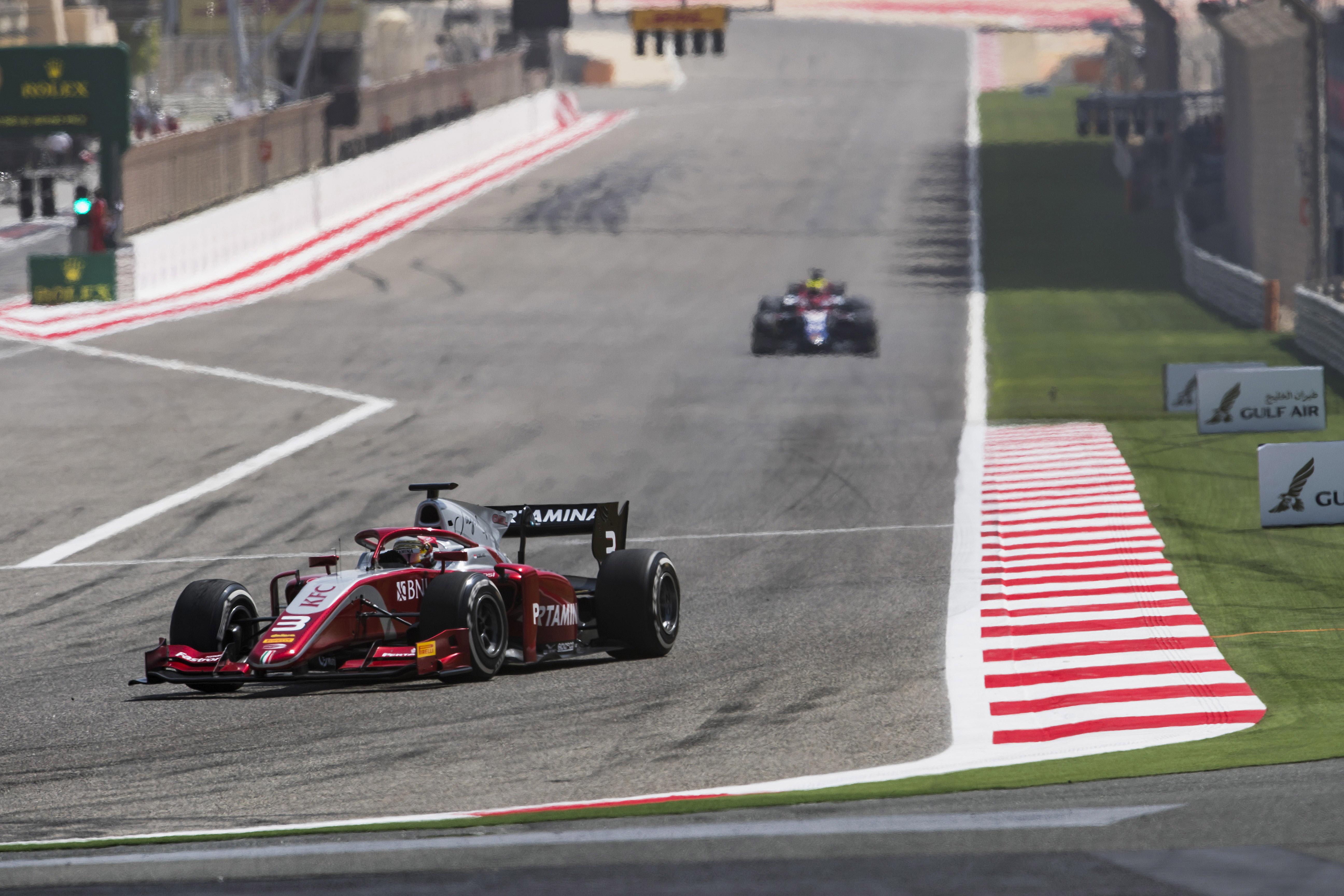 Aksi Sean Gelael saat tampil di feature race F2 GP Bahrain (Foto: Dok. F2)