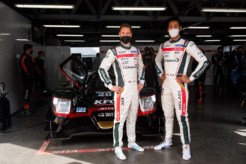 Sean Gelael (kanan) dan Stoffel Vandoorne akan jadi andalan tim JOTA Sport pada Asian Le Mans Series 2021 di Dubai Autodrome.