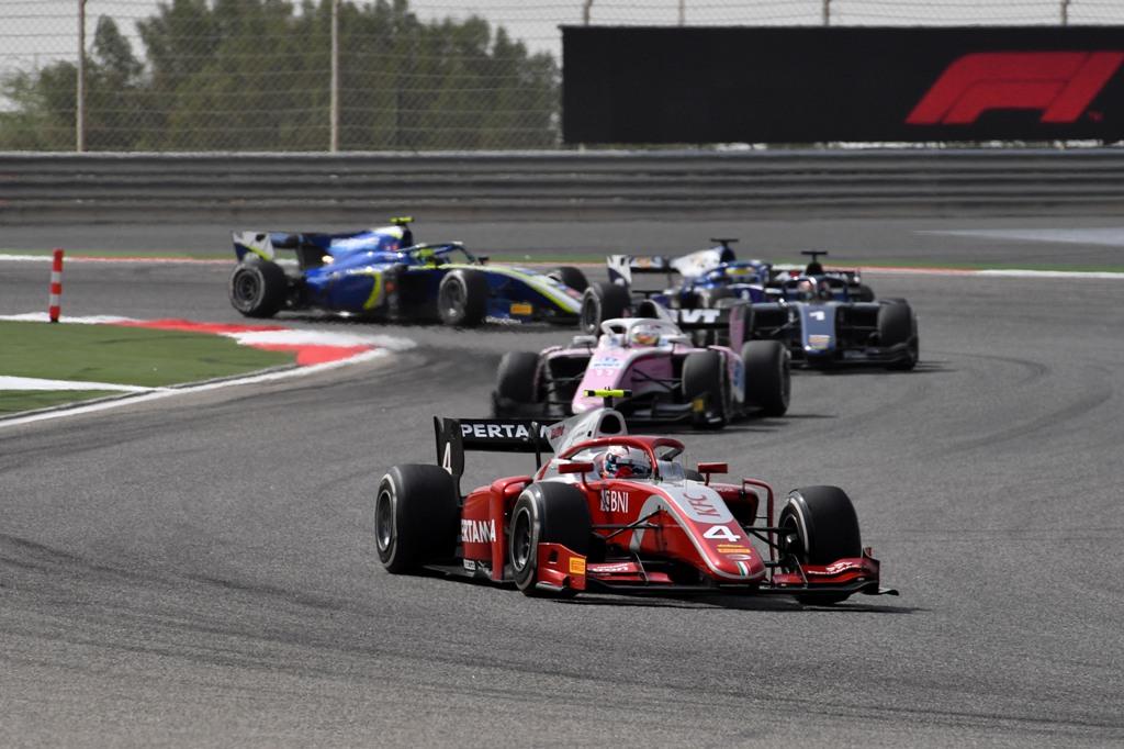 Nyck De Vries saat tampil di balapan sprint GP Bahrain (Foto: FIA F2)