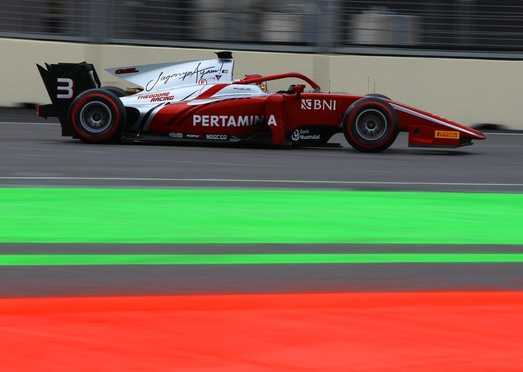 FIA F2 Qualifying - Baku, Azerbaijan