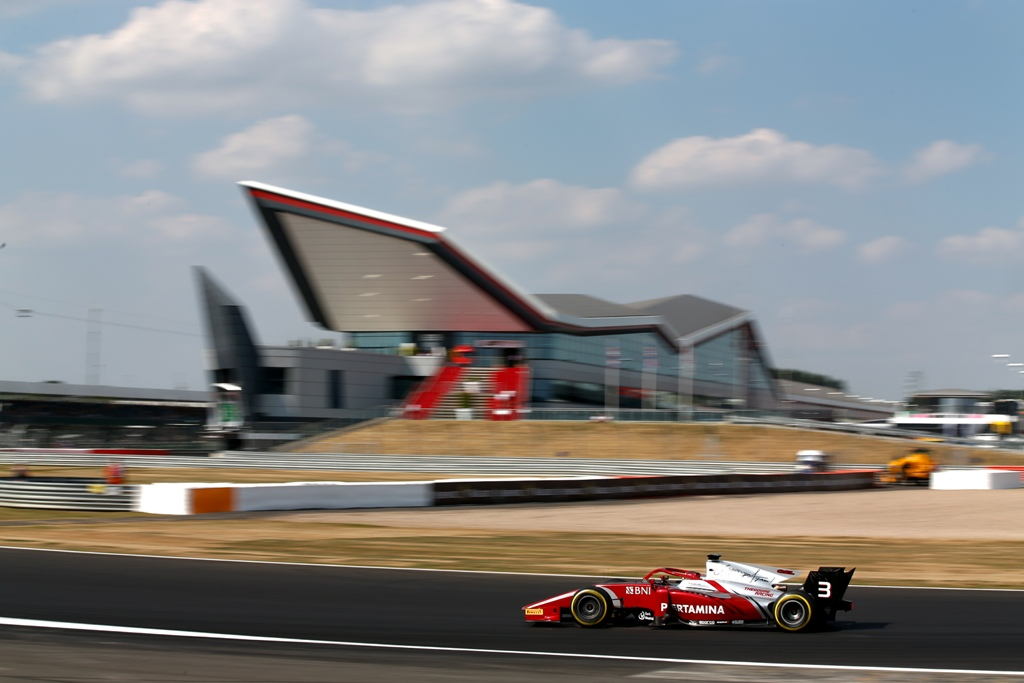 PRACTICE & QUALIFICATION - F2 GP SILVERSTONE, ENGLAND