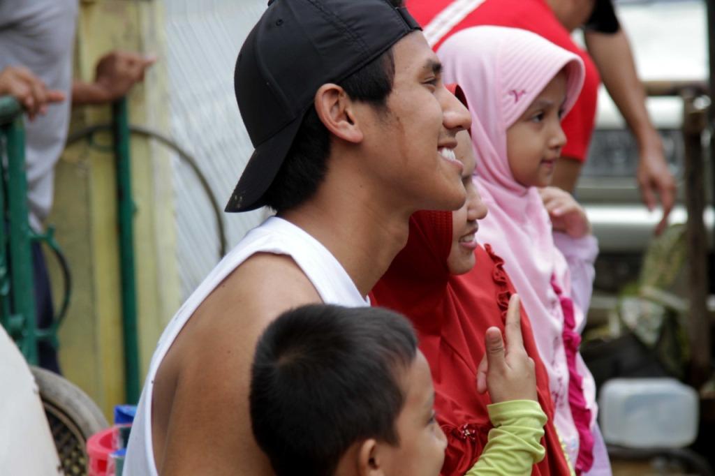 Sean Gelael Peduli Korban Banjir Jakarta